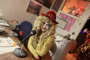 contessa de la luna late night radio host